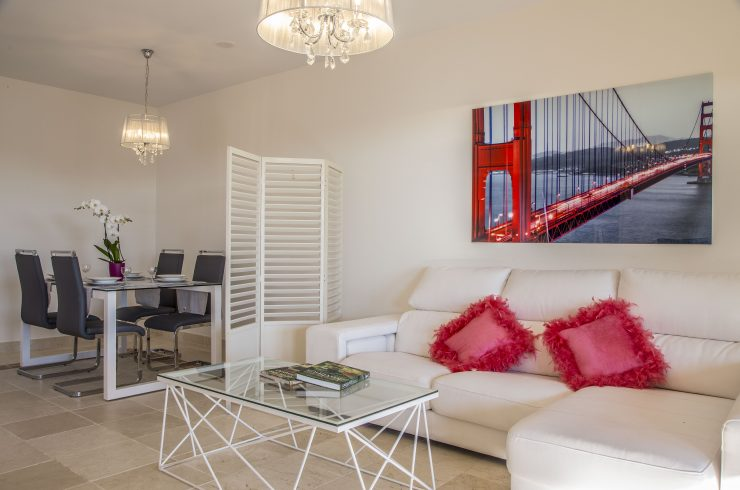Luxury ground floor apartment in Benatalaya