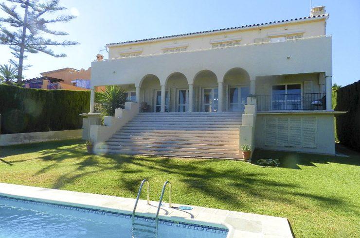 Villa Lirios