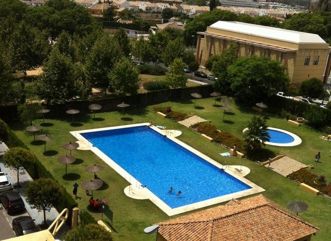 Spacious 2 bedroom apartment located in the heart of San Pedro de Alcántara