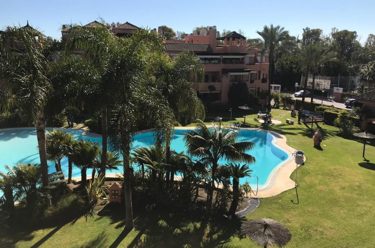Nice 3 bedroom duplex penthouse in Alhambra del Golf
