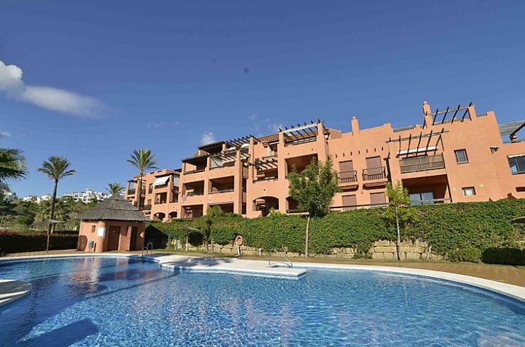 Beautiful 2 bedrooms apartments in luxury complex with spa and gym in Benahavís