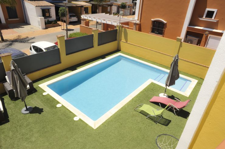 Unique semidetached house with private pool in Villas y Golf