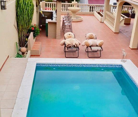 Nueva villa in Nueva Andalucía