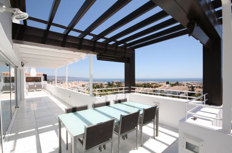 Large luxury penthouse in Nueva Andalucía