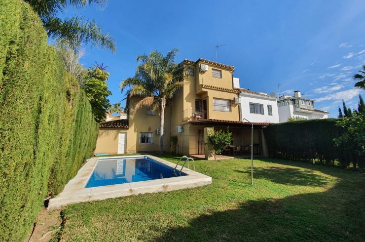 Semidetached house with private pool close to Puerto Banus