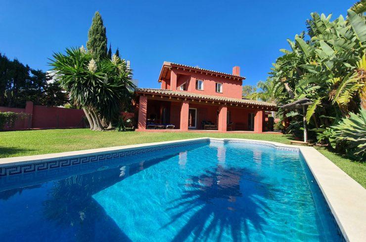 Andalusian style villa in Atalaya