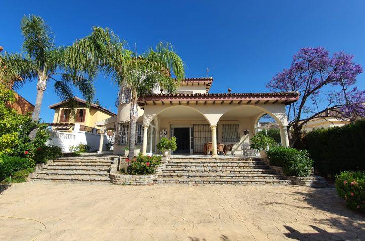 Family villa in San Pedro playa